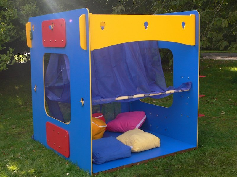 Recycled Plastic Theatre Play Den from Kedel